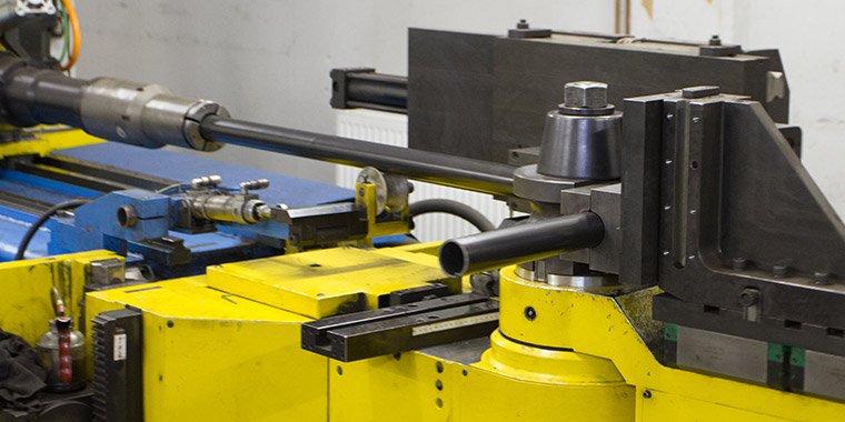 CNC krivljenje cevi s trnom