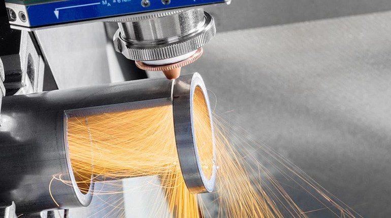 Naprava za laserski razrez cevi