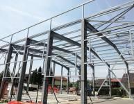 Kovinska konstrukcija proizvodne hale