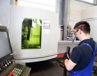 CNC operater laserskega razreza cevi