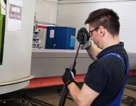 CNC operater laserskega razreza cevi (3)
